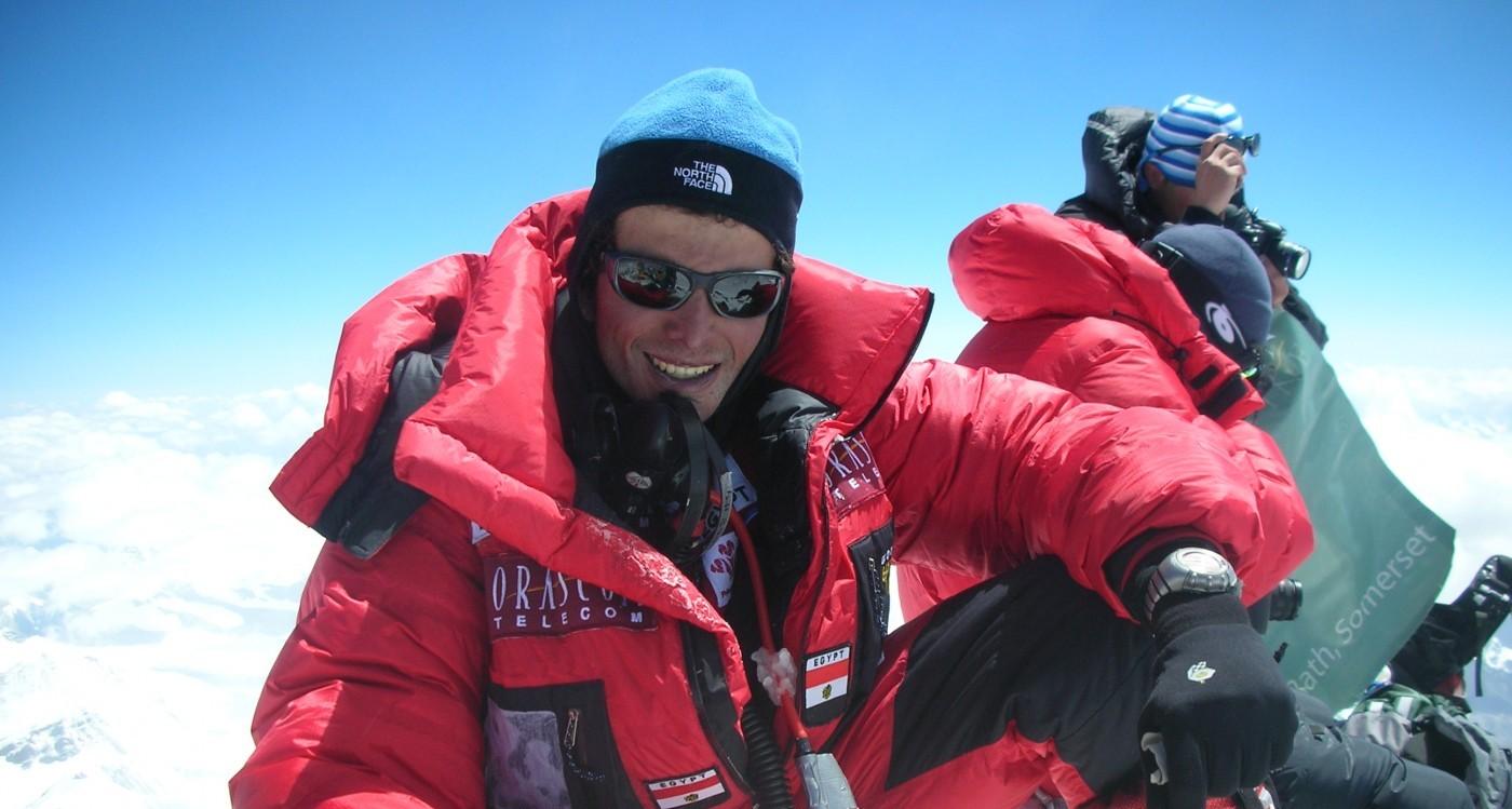 عمر سمرة على قمة جبل ايفريستOmar Samra on top of Everst